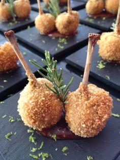 Los chupa-chups de codorniz en 2 cocciones con confit de tomates de Javier Bermudo, Chef en Zelebri.com