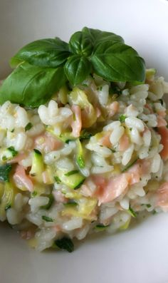 "Zucchini-Salmon-Risotto More about ""Health"" is on interesting-thing .- Zucchini-Lachs-Risotto Mehr zum Thema ""Gesundheit"" gibt es auf interessante-ding… Zucchini-Salmon-Risotto More about ""Health"" gives … - Salmon Recipes, Beef Recipes, Cooking Recipes, Healthy Recipes, Rice Recipes, Cooking Tips, Dinner Recipes, Salmon Risotto, Food Porn"
