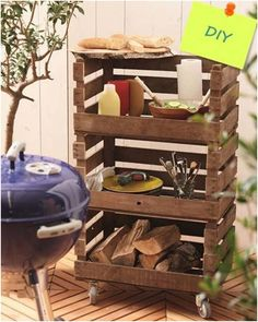 Grillsaison: Beistelltisch zu Grillen selber machen - DIY-Academy Increase the fun and functionality of your backyard with these awesome backyard DIY projects! Pallet Furniture Designs, Diy Furniture, Garden Furniture, Palette Furniture, Urban Furniture, Steel Furniture, Outdoor Furniture, Retro Furniture, French Furniture