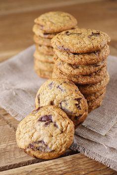 Light & Skinny Chocolate Chip Cookies @Patty's Food