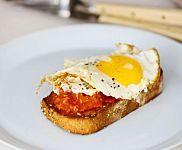 Charred Tomatoes with Fried Eggs on Garlic Toast Recipe & Video | Martha Stewart