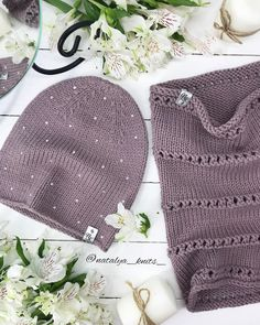 Image may contain: 1 person Knitting Designs, Knitting Patterns, Crochet Patterns, Knitting Yarn, Baby Knitting, Crochet Winter, Knit Beanie Hat, Kids Hats, Knit Or Crochet