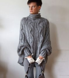 Hand knitted poncho braided cape sweater, fall cabled poncho, avant garde knit sweater, sweater poncho for woman, gray melange sweater - Poncho stricken Pull Poncho, Knitted Poncho, Poncho Sweater, Hand Knitted Sweaters, Handgestrickte Pullover, Winter Outfits, Cool Outfits, Pull Gris, Loose Sweater