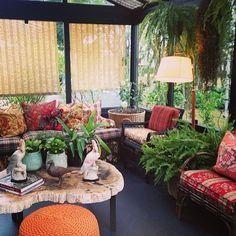 """44 Likes, 4 Comments - Arquitetura e Interior (@vanessamaia_arq) on Instagram: """"Casa Cor SP 2014 ambiente Casa de Campo por @sigbergamin 😍 só ele faz milagre com estampa e xadrez!…"""""""