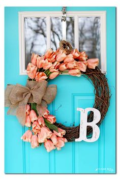 Spring Tulip Wreath how-to diy tutorial - I LOVE this one and these perfect flowers for front door decor - - Sugar Bee Crafts (holiday door wreaths how to make) Diy Gifts For Christmas, Holiday Crafts, Holiday Decor, Diy Spring Wreath, Spring Crafts, Wreath Crafts, Diy Wreath, Wreath Ideas, Wreath Making