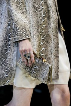 Giorgio Armani Spring 2015 Ready-to-Wear - Details - Gallery - Style.com