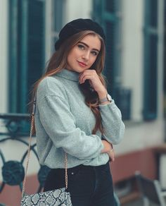 Transform Your Looks With This Advice Stylish Photo Pose, Stylish Girls Photos, Stylish Girl Pic, Best Photo Poses, Girl Photo Poses, Girl Poses, Portrait Photography Poses, Photography Poses Women, Grunge Photography