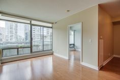 18 Yorkville Ave Toronto Condos Living Room Bedroom Den Victoria Boscariol Chestnut Park Real Estate