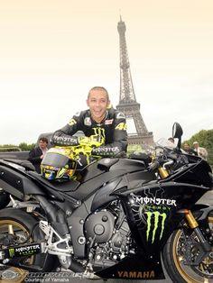 Valentino Rossi Tour Eiffel Parigi 2009