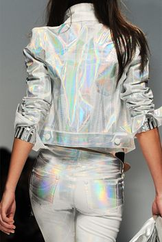 """Holographic Fashion, it's back! Yes, it's back as in, just like the I'm completely obsessed with this trend. Some people say """"holographic print is tacky"""" and to. Fashion Week, Look Fashion, Street Fashion, High Fashion, Womens Fashion, Fashion Design, Fashion Trends, Space Fashion, Fashion Clothes"""