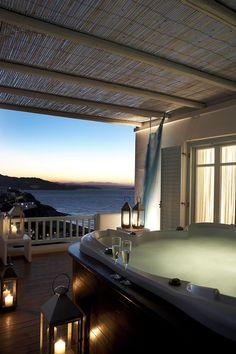 Balcony with jacuzzi in Mykonos