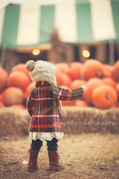 Fall photo session ideas. children's photography. children's styling. photo styling. natural light photography. Tulsa photographer.