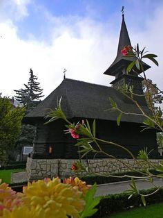 Le monastère de Techirghiol : Bonjour Roumanie Romania, Gazebo, Europe, Outdoor Structures, Beautiful, Travel Agency, Bonjour, Kiosk, Pavilion