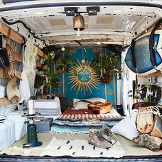 Van life looks so romantic. Van life isn't always glamorous. From the outside, van life might seem to be a sort of homelessness because it doesn't adhere to the standard norm of living within four walls Diy Camper, Camper Life, Camper Caravan, Van Life, Volkswagen Bus Interior, Vw Bus Interior Diy, Campervan Interior, Kitchen Interior, Kangoo Camper