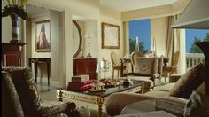 Four Seasons Hotel Cairo at the First Residence boasts a variety of luxury guest rooms & suites featuring captivating views of the botanical garden & pyramids. Suite Room Hotel, Hotel Suites, Floor Design, Ceiling Design, Interior Decorating, Interior Design, Hotel Interiors, Four Seasons Hotel