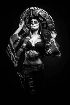 Tattoo Chicana, Chicano Tattoos, Body Art Tattoos, Chicano Drawings, Arte Cholo, Cholo Art, Arte Lowrider, Hispanic Art, Arte Obscura