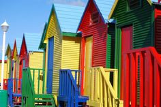 Colourful seaside chalets in Fish Hoek, Cape Town James Beach, Cities In Africa, Coastal Landscaping, Cape Town South Africa, Belle Villa, Coastal Farmhouse, Coastal Decor, Coastal Rugs, Coastal Bedding