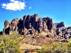 The picturesque Superstition Mountains is not the only thing found in Mesa, AZ. Send us pics of #EnvyLawn lawns!!