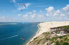 Ein wahres Wohnmobilparadies befindet sich an Frankreichs südlicher Côte d'Argent: 120 Kilometer Atlantikküste, zahlreiche Seen, viele Stellplätze unter Pinien und hinter den Dünen.
