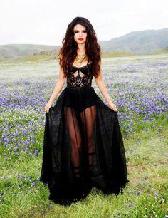 yovanna ventura 2014 body | Selena Gomez VS Yovanna Ventura... ¿quién es más guapa y sexy?