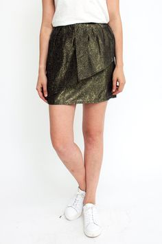 Looking for a sparkling eyecatcher to complete your ensemble? Look no further…