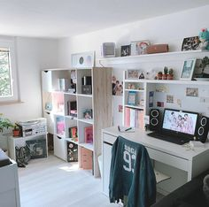 Army Room Decor, Study Room Decor, Cute Room Decor, Room Ideas Bedroom, Small Room Bedroom, Bedroom Decor, Otaku Room, Aesthetic Room Decor, Dream Rooms