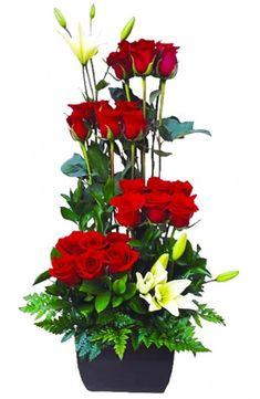 Arreglo con 24 rosas y lilis