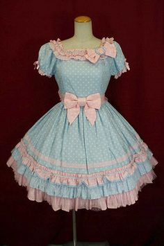 I think I want to make a simmilar dress- A friend of mine just helped me make an alice themed Lolita dress, I LOVED it! We're tackling a corset made of Red/bronze Vinyl and a steampunk styled harness! Wish us luck!