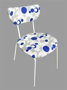 Cadeira Planetário - Cadeira com estrutura de metal com pintura automotiva branca de alto brilho. Forrada com sarja estampada 100% algodão.