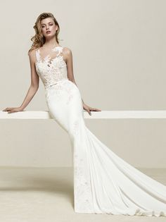 Fit and Flare lace illusion wedding dress with belt, Pronovias 2018 collection-Drenoa