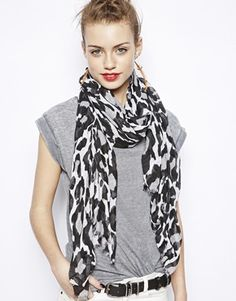 New Look Oversized Leopard Scarf