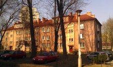 Gdzieniegdzie widać jeszcze oryginalną czerwoną farbę z lat 50. Osiedle Krakowiaków - #NowaHuta