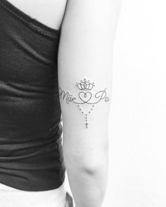 Não Mom Daughter Tattoos, Daddy Tattoos, Tattoos For Daughters, Mini Tattoos, Love Tattoos, Body Art Tattoos, Christian Tattoos, Jewelry Tattoo, Matching Tattoos