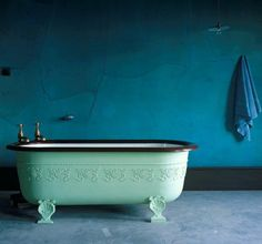 I am really diggin' on the rim being a contrasting color from the interior and exterior of the tub. This shape of tub is probably better suited to a shower or bathing kids, since there's no slope to the end. Bathroom Inspiration, Interior Inspiration, Clawfoot Bathtub, Bathtub Redo, Antique Bathtub, Vintage Bathtub, Bathtub Ideas, Beautiful Bathrooms, My Dream Home