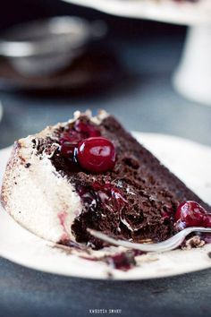 Tort z musem czekoladowym Decadent Chocolate, Chocolate Desserts, White Chocolate, Chocolate Cake, Healthy Dessert Recipes, Cake Recipes, Cake Cookies, Cupcake Cakes, Torte Cake