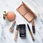 Great start of the week, I finally settled in my new apartment. Here's what I used for today's makeup @chanelofficial Velvet @urbandecaycosmetics Naked concealer @ctilburymakeup Filmstar Bronze&Glow @byterryofficial Bronze Moon @milanicosmetics Rose D'oro @marcbeauty Role Play @benefitcosmetics Roller Lash mascara #bblogger #bbloggers #beautyblogger #makeup #motd #fotd #makeuplover #makeupaddict #makeupjunkie #marcbeauty #MarcJacobsbeauty #charlottetilbury #chanel #monday