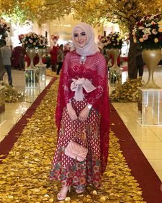Tuto How to make your own pillow case Kebaya Lace, Kebaya Dress, Batik Kebaya, Batik Dress, Hijab Dress, Model Kebaya Brokat Modern, Kebaya Modern Hijab, Kebaya Hijab, Model Kebaya Modern Muslim