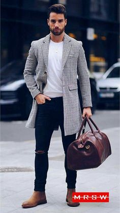 Mens Fashion Night Out Man Street Style, Men Street, Stylish Men, Men Casual, Smart Casual, Brown Suede Chelsea Boots, Brown Leather, Denim Noir, Mode Man