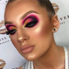 10 Dramatic Wedding Makeup Ideas for Daring Brides Dramatic Wedding Makeup, Dramatic Eye Makeup, Makeup Eye Looks, Glam Makeup Look, Colorful Eye Makeup, Skin Makeup, Eyeshadow Makeup, Dramatic Eyes, Makeup Goals