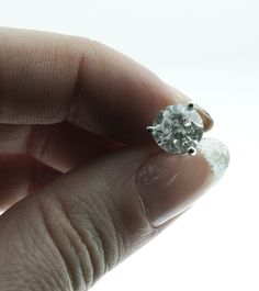 Martini 3-prong mount diamond studs