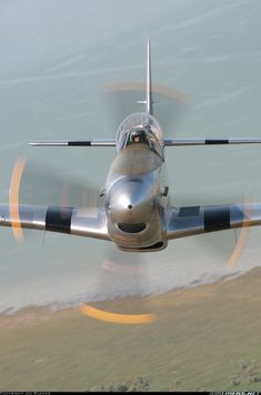 North American TF-51D Mustang aircraft picture