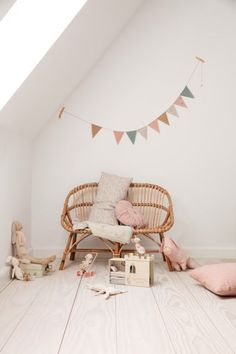 27 magical things for a very happy – Paul & Paula Children's room – Home Decoration Baby Bedroom, Girls Bedroom, Scandinavian Kids Rooms, Design Blog, Kids Decor, Home Decor, Nursery Neutral, Home Living, Dusty Blue