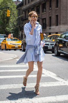 Top looks. De 'cropped tops', bolsos de flecos y gafas de sol con efecto espejo © Gtresonline / Cordon Press