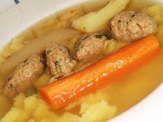 Májgombóc leves recept Croatian Recipes, Hungarian Recipes, Turkish Recipes, Ethnic Recipes, Hungarian Cuisine, Hungarian Food, Soup Recipes, Cooking Recipes, Dumplings For Soup