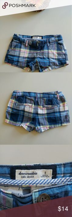 Abercrombie Cute Stretch Size 8 Girls Blue Plaid Super Soft and Comfy! Abercrombie Cute Stretch Size 8 Girls Blue Plaid Shorts!  My Daughter Loved these shorts!  98% Cotton, 2% Elastine !  In Excellent Loved Condition! Abercrombie & Fitch Bottoms Shorts