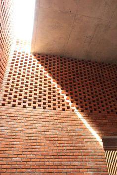 sunny-brick-interior