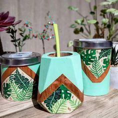 Painted Flower Pots, Painted Pots, Plate Design, Terracotta Pots, Ceramic Plates, Bohemian Decor, Ideas Para, Origami, Decoupage