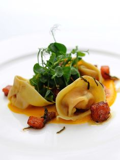 Pumpkin tortellini with chestnuts and a sage beurre noisette This homemade tortellini recipe makes a comforting meal or a welcome starter for friends coming to dinner. By Stephen Crane Homemade Tortellini, Tortellini Recipes, Food Porn, Great British Chefs, Good Healthy Recipes, Healthy Foods, Food Design, Design Design, Graphic Design