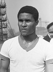 Eusébio da Silva Ferreira [ewˈzɛbiu ðɐ ˈsiɫvɐ fɨˈʁɐjɾɐ], kurz Eusébio (* 5. Januar 1942[1][2] oder 25. Januar 1942 in Lourenço Marques, dem heutigen Maputo, Mosambik;[3] † 5. Januar 2014 in Lissabon), war ein portugiesischer Fußballprofi mosambikanischer Herkunft.