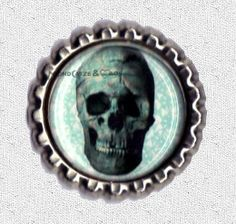 -f042b- Kronkorken Magnet SKULL BLUE, € 2,80 , bottlecap , erhältlich auf http://de.dawanda.com/shop/Mondcatze